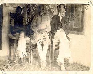 Family-photo-india/thumb/Balbhadrasinh-and-Jitendrasinh-Rana-with-Ranaji.jpg
