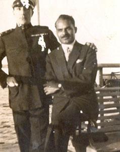 Family-photo-india/thumb/Natvarsinh-Rana-son-of-Ranaji-with-Captain-of-Steamer-Travelling-to-Paris-from-Mumbai(1)-thumb.jpg