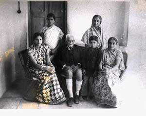 Family-photo-india/thumb/Ranaji-at-Limbdi-thumb.jpg