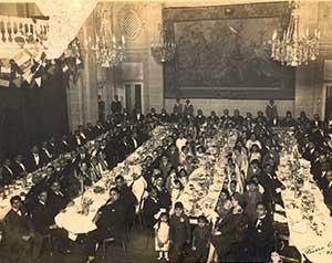 Family-photo-india/thumb/Ranaji-invited-Indian-diaspora-at-Paris-for-dinner-in-honour-of-arrival-of-his-son-Natwarsinh-at-Paris-thumb.jpg