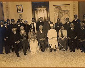 Prominent-Degnitaries/S-R Rana-with-Prof. Silva-Leive/thumb/Silva-Leive-at-Left-Side-of-Pandit-Madan-Mohan-Malaviya-at-ParisED TB.jpg