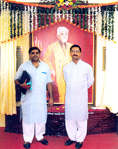 Protrait-of-Ranaji-at-Circuit-House/thumb/left-to-Right-Rajendrasinh-Ranah-and-Pradyumnasinh-Rana.jpg